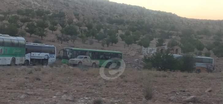 مصادر للأنباء:حزب الله اشترط على سرايا اهل الشام قتال داعش لمغادرة الجرود