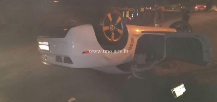 جريحان نتيجة انقلاب سيارة على طريق عام درعون حاريصا عند مفرق بكركي