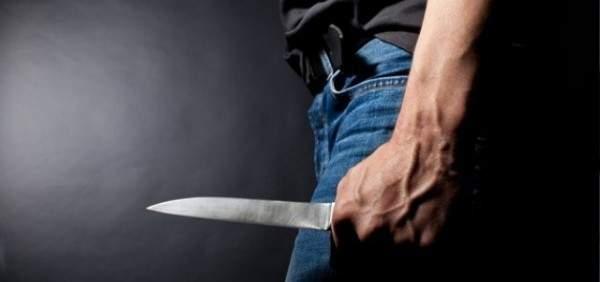 النشرة: توقيف شخص بالقبة وهو بحالة تعاط يقوم بالتعدي على الماره بسكين