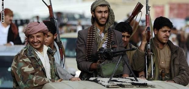 """إشتباكات عنيفة بين """"أنصار الله"""" ومجهولين في صنعاء وإغلاق عدد من الشوارع"""
