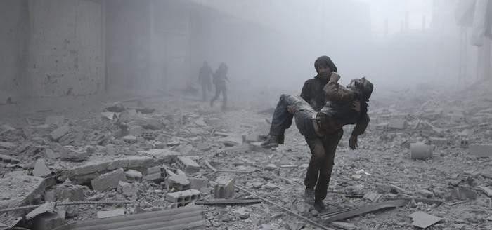 مركز المصالحة الروسي: تأجيل دخول قافلة المساعدات إلى الغوطة بسبب القصف