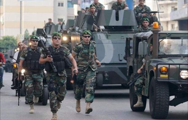 رواد مواقع التواصل يحملون سلاحهم: إما مع الجيش او مع الإرهاب
