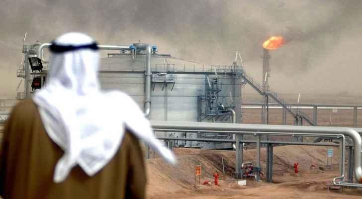 الضرائب السعودية تُرهق المقيمين: الاف الاجانب رحلوا