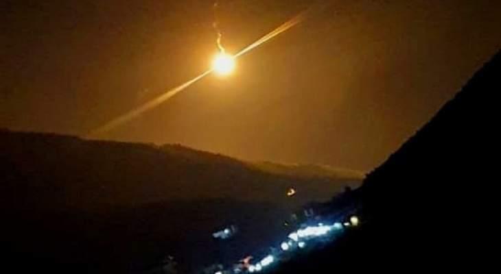 الجيش الاسرائيلي ألقى 3 قنابل مضيئة فوق خراج ميس الجبل
