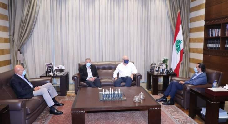 """مصادر """"الشرق الاوسط"""": رؤساء الحكومات السابقون مع حكومة لبنانية جديدة تشبه رئيسها"""