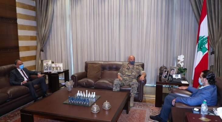 وصول قائد الجيش الى بيت الوسط للقاء الحريري