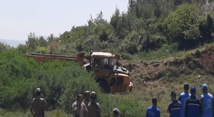 انزلاق شاحنة للجيش الاسرائيلي قبالة بلدة العديسة واستقرارها على مقربة من الخط الازرق