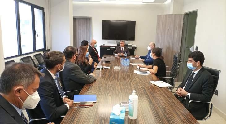 كومار جاه إلتقى الخليل: مساعدة الحكومة على معالجة أزمة قطاع الكهرباء تتصدر جدول أعمال البنك الدولي