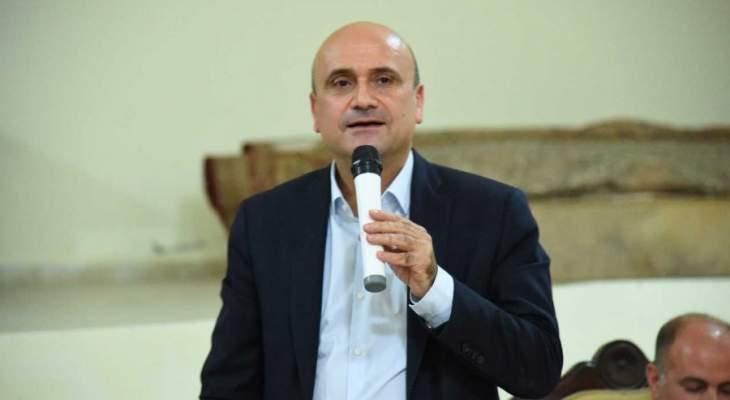 ابي رميا يتقدم باخبار عن الحرائق في بلدات جبيل والقضاء يتحرك