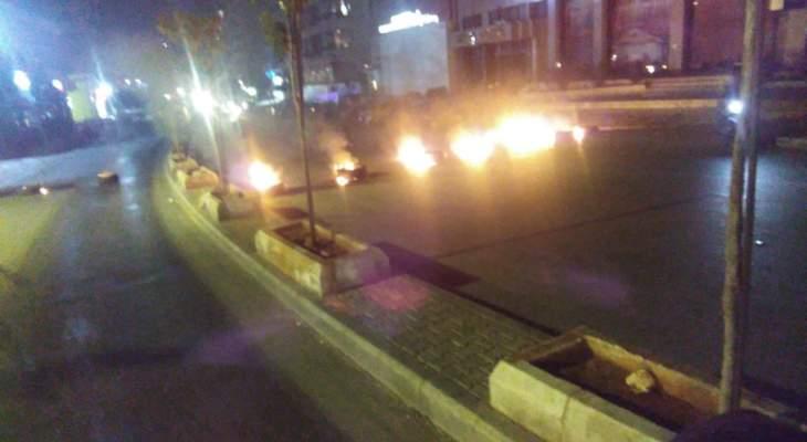 قطع الطريق عند مستديرة الشياح كنيسة مار مخايل من قبل محتجين