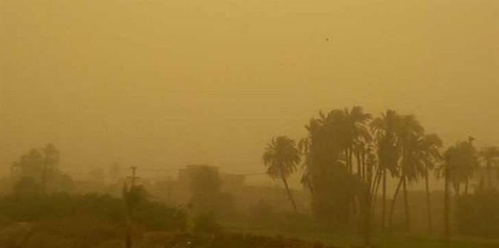 اغلاق المدارس بمناطق عديدة بالسعودية بسبب عاصفة رملية قوية