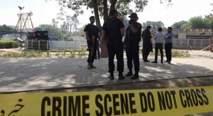 الشرطة الباكستانية: مقتل 3 أشخاص بانفجار قنبلة قوية في جنوب غرب البلاد