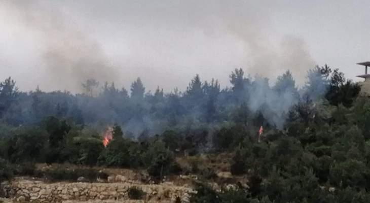 الدفاع المدني أخمد حريقي أعشاب وأشجار في الشرفة وإيزال في الضنية