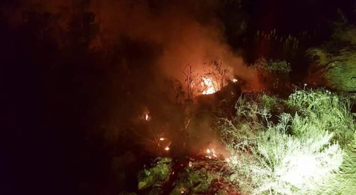 حريق كبير بمنطقة صف الهوا في مدينة بنت جبيل