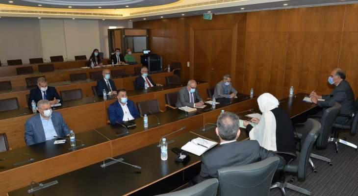 فرعية اللجان أقرت اقتراح قانون إلزام مصرف لبنان بصرف 10 آلاف دولار للطلاب الجمعيين بالخارج معدلا