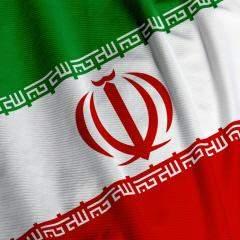 """الجيش الإيراني يدشن عربة """"صياد"""" الإستراتيجية الحاملة للدبابات"""