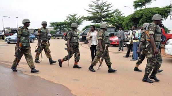الشرطة النيجيرية تنقذ مئات الأشخاص الذين تعرضوا للتعذيب في مدرسة إسلامية