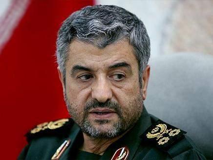 جعفري: الثورة الاسلامية الايرانية تمضي قدما باقتدار وثبات