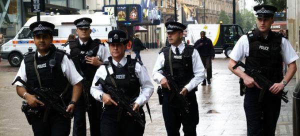 رويترز: شرطة بريطانيا تعتقل سبعة مشتبهين بمحاولة للاستيلاء على سفينة
