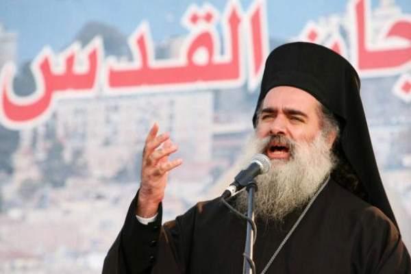 المطران حنا: المسيحيون الفلسطينيون ليسوا جالية بل يفتخرون بالانتماء لبلدهم