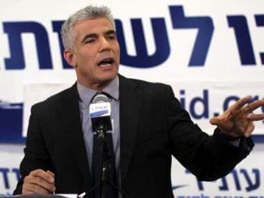 لابيد: على العالم أن يمنع إيران من الحصول على ترسانة نووية وإذا فشل فإسرائيل تحتفظ بحق التصرف