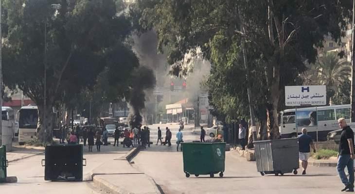 صوت لبنان: قطع طريق الشفروليه بالإطارات المشتعلة