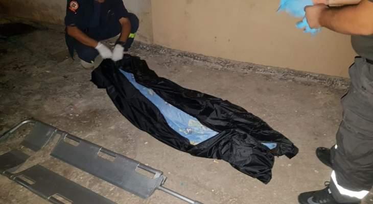 النشرة: العثور على جثة في تلال شوكين لرجل خمسيني كانت شبه دفونة بالارض