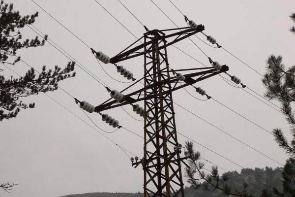 مجهولون سرقوا أسلاك كهربائية تسببت بقطع الكهرباء عن قرى وبلدات عكارية