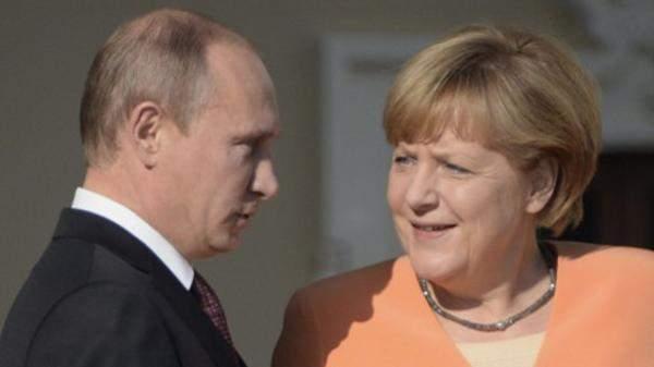 ميركل بحثت هاتفيا مع بوتين ملفات سوريا وليبيا وأوكرانيا