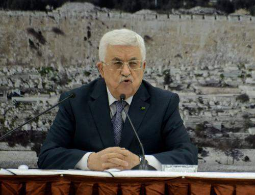 عباس:  نؤكد انفتاحنا واستمرارنا بالتشاور مع الجميع حول مشروع القرار