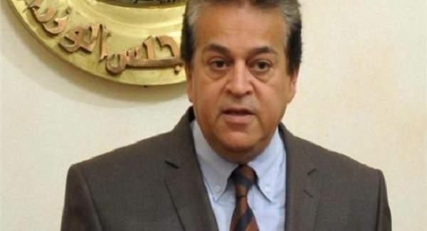وزير التعليم المصري: حصلنا على عينات دواء يابانى يقضى على كورونا فى 4 أيام