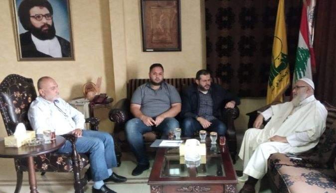 مسؤول حزب الله في صيدا عرض مع عضو مجلس علماء فلسطين لأوضاع المخيمات