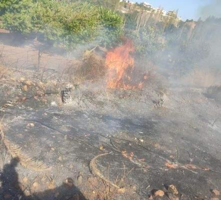 الدفاع المدني أخمد سلسلة حرائق أعشاب وأشجار برية في إقليم الخروب