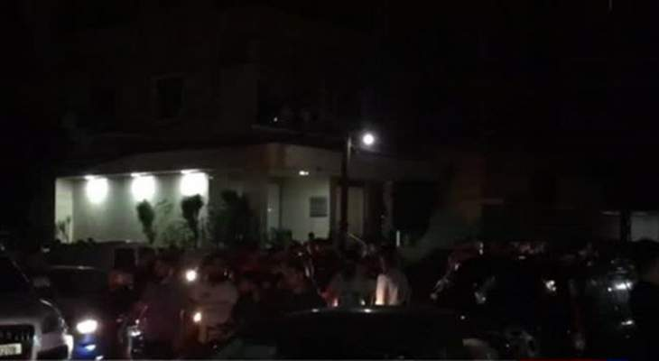 """LBC: محاولة لاقتحام مكتب """"التيار الوطني الحر"""" في طرابلس"""
