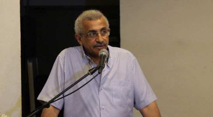 أسامة سعد: لضرورة الحفاظ على مؤسسات الدولة وإداراتها وأجهزتها