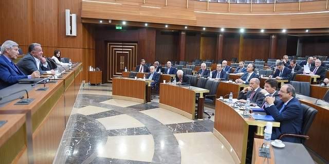 النشرة: اللجان النيباية المشتركة توافق على ابرام معاهدة تجارة الأسلحة