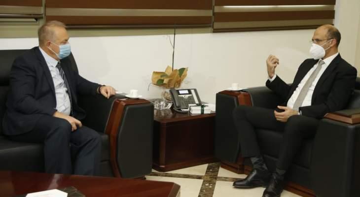 وزير الصحة بحث مع السفير الروسي الجديد اهتمام لبنان بالحصول على لقاح كورونا