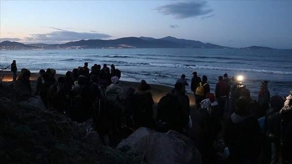 توافد المهاجرين إلى سواحل بحر إيجه التركي في طريقهم الى اوروبا