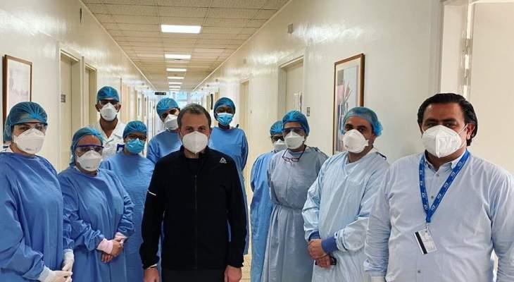 باسيل نشر صورة له من المستشفى:شكر كبير لمستشفى اوتيل ديو وللفريق الطبي