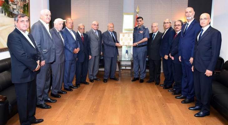 """اللواء عثمان استقبل مدير مركز """"DCAF"""" ورئيس رابطة قدامى القوات المسلحة"""