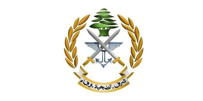 الجيش: توقيف 5 أشخاص خلال عملية دهم في قب الياس بالبقاع وضبط أعتدة حربية وذخائر
