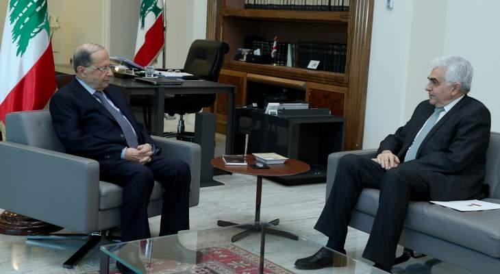 رئيس الجمهورية عرض مع وزير الخارجية نتائج زيارته الى باريس