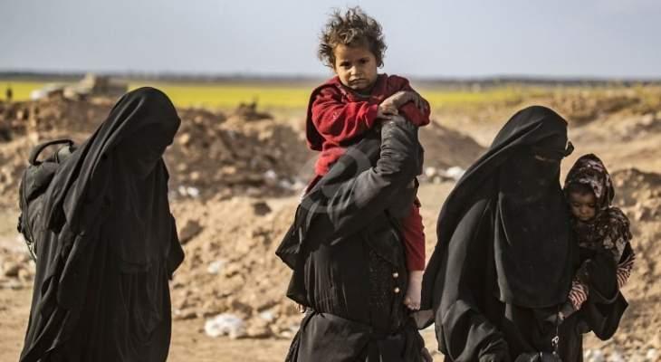 """إخلاء مخيم عين عيسى إثر فرار عوائل تنظيم """"داعش"""" بعد قصف تركي"""