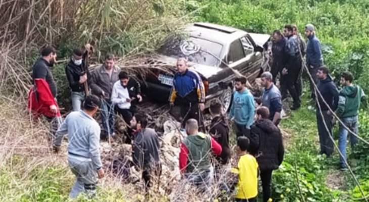 مقتل سورية وجرح زوجها وفقدان طفلها بعدما صدمت سيارة دراجتهم النارية في خراج المحمرة