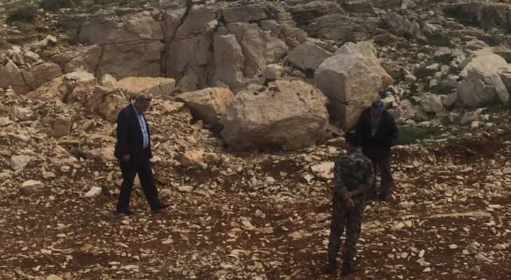 وزير البيئة عاين جرود فاريا وحراجل ومواقع مفترضة لطمر براميل سامة