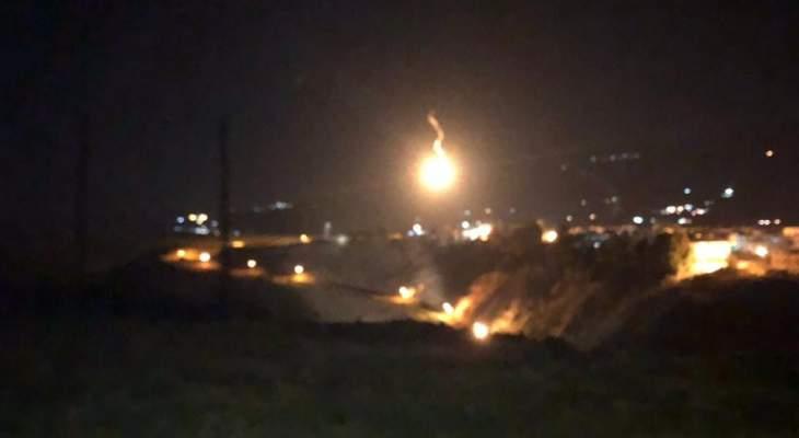 النشرة: الجيش الإسرائيلي أطلق 4 قنابل مضيئة فوق مجرى نهر الوزاني