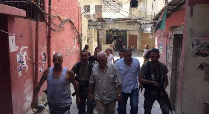 اللواء ابو عرب تفقد حي طيطبا بمخيم عين الحلوة وزار الجرحى