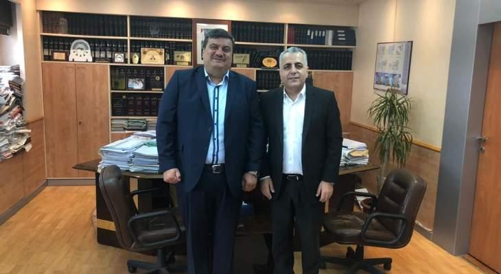 نقيب السواقين في الشمال عرض مع كركي ملف مياومي مركز ضمان طرابلس