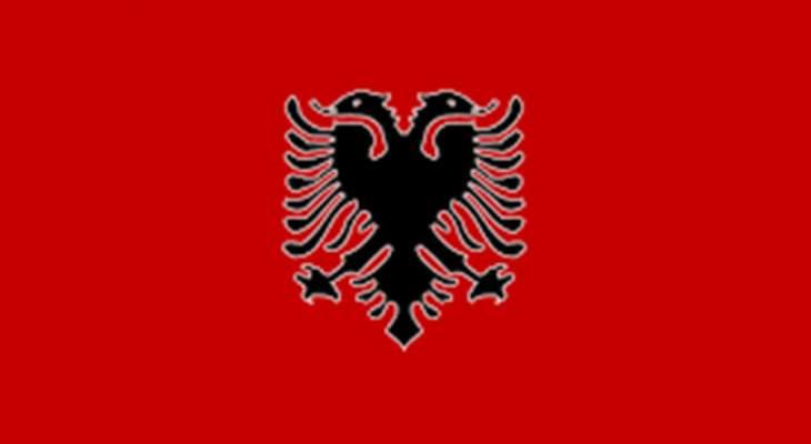 رويترز: الشرطة الألبانية تطارد مسلحا قتل ثمانية أفراد من عائلته
