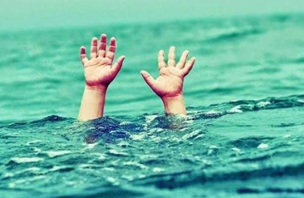 وفاة طفلة وواحد في حالة حرجة واثنان مفقودان اثرغرقهم على شاطئ السعديات